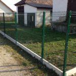 A kerítés határvonalat nyújt